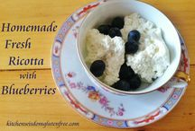 Homemade Fresh Ricotta with Blueberries / Kitchen Wisdom Gluten Free Recipe http://kitchenwisdomglutenfree.com/2016/03/15/homemade-fresh-ricotta-with-blueberries-forget-what-you-know-about-wheatc-2016/