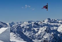 Extreme sports / Mijn fascinatie is extreme sport, de mens pusht zichzelf tot het uiterste om de beste te zijn. Het menselijk lichaam doet bewegen die bijna onmogelijk lijken.