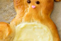 Easter Bunny Cream Cheese Danish ~ A super cute and easy treat to make for Easter