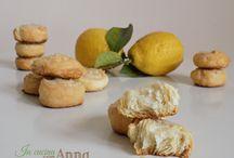 dolci: biscotti, bomboloni, crepes, cake pops, barrette,cupcake,  pasta brioche,  waffles,,funnel cakes,ecc.