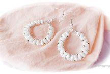 earrings / gyöngyékszerek fülbevalók