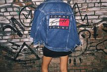 -TOMMY JEANS-