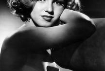 Marilyn My Pretty / by Roni Lea