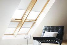 Zolderkamer en Werkkamer / Vlak onder het dak kunnen de temperaturen flink oplopen door de zon die naar binnen schijnt. De juiste raamdecoratie kan verkoeling en verduistering bieden. De meest voorkomende ramen op zolderkamers zijn dakramen. Voor bijna alle soorten en merken dakramen is er geschikte raamdecoratie.
