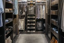 Interior/walk-in closet