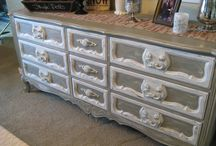 Chalk Painting Accent Furniture / Using chalk paint to restore accent furniture pieces
