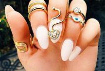 { nails }