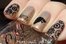 Game of Thrones Nail Art Designs / That epic season finale deserves to be celebrated with these nail design inspirations.
