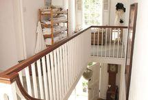 Mezanino e corrimão de escada