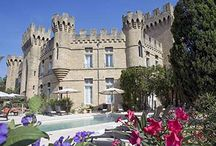 Linnoja ja vanhoja rakennuksia / Erilaisia linnoja ja vanhoja rakennuksia maailmalla