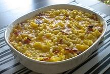 Food - Macaroni & Cheese / by Desi McClammey
