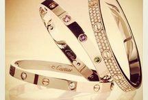 Cartier lovering