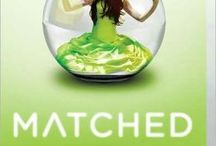 Meredith's Young Adult Series Recommendations / Get pulled into these popular young adult series.