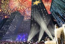 Hyatt   Chi-Town Rising / Chicago will ring in 2016 like never before with Chi-Town Rising, to ring in the New Year, a midnight countdown featuring a giant Chicago star will ascend 36 stories up the West Tower of Hyatt Regency Chicago, and an unprecedented fireworks show will provide a dazzling climax for the evening's entertainment.