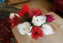 bloemen / Bloemen van lontwol ea vezels en vilt