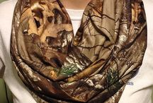 Hunting clothing & accessories