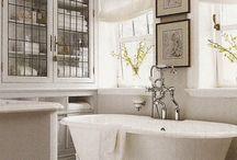 Bathrooms / by Christine Baldigara