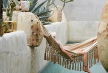 Retreats / Inspiring places to holiday and relax.