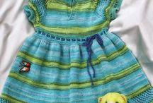 платье спицами детское