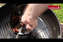 Inspiratie | Barbecue / Gemakkelijke montage, handig gebruik en eenvoudig onderhoud. Drie vlakken waarop barbecook® telkens opnieuw het verschil maakt! Het aanbod aan bestaat uit kwaliteit barbecues en bijpassende tools.   Xapron ontwerpt schorten van soepele leer soorten. In de professionele horecakeuken, thuis, tijdens de BBQ, het schort is overal te gebruiken.  Een compacte barbecue die snel gebruiksklaar is en rookvrij blijft. Het aanbod bestaat uit twee categorieën; de LotusGrill Classic en de LotusGrill XL