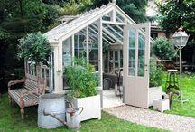 Trädgård, uterum och altan