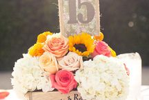 Weddings: Centerpieces / by Shannon Stone