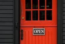 Doors, Knobs & Windows / by Tallie Ehman