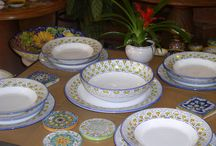 Our Best Table Sets / a selection of table sets for any occasion, from formal dinners to family reunions or parties with friends
