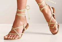 Tie up sandals / by Madeline Mourino