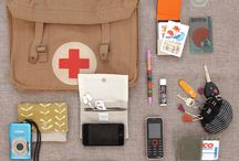 What's In Your Bag? / Cataloging the stuff that people carry in their bags