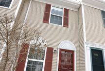 2084 Drake Ct. Mahwah NJ - 3 BR/2.1 BA Townhome / Beautiful, well-maintained 3 BR multi-level townhome with many designer touches in Franklin Heights. Close to NYC bus/train, great schools, low taxes and monthly maintenance.