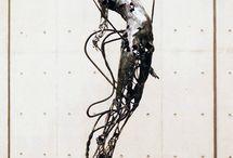 esculturas em metal