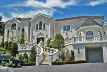 Dongan Hills Colony / Dongan Hills Colony is a highly prestigious residential enclave, just to the north of Dongan Hills and bordering the Todt Hill neighborhood in Staten Island, NY / by RealEstateSINY.com