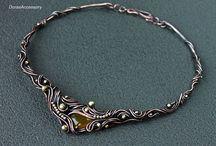 Colliers et bijoux