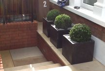 Contract Gardening Project / A stylish front garden by Contract Gardening, beautifully showcasing what can be achieved with our Buff Sandstone Paving.