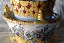 Scola/ Portaposate in maiolica.Realizzato interamente a mano.Decoro Floris