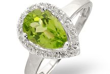 Peridot Jewellery - August Birthstone / Peridot jewellery is sparkling, with a beautiful golden-green colour. It's bright and luxurious, yet not overwhelming. This means it can be used to dress up casual looks and add sophisticated glamour to evenings.