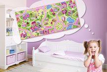 Kids & Teens | Tapeten | Teppiche | Kinderzimmer / Kinder bringen Freude in unser Leben, bringen Sie Freude in das Kinderzimmer mit bunten Tapeten und Teppichen von bekannten Herstellern in verschiedenen Designs und hoher Qualität.