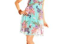 Vestido florido / Tendência da moda primavera - verão 2015. Vestido floridos em tecidos leves e frescos. Compre o seu em www.pontorosa.pt