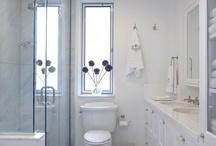 Home: Bathroom / by Kimberly Bonnett