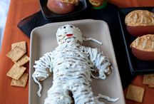halloween treats / Scary food for Halloween, recipes, cupcakes, tablescapes, candy and printables