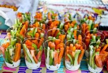 Summer Party Ideas- Food / Food Ideas for a summer party. Focus on the guests and not the prep!