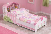 Girls room / Bed