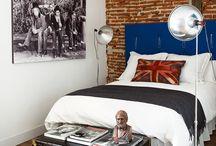 Rooms / Brick wall