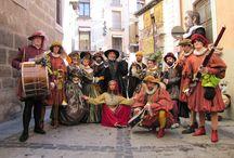 Flamma / Así fue la primera entrega de 'Flamma', el pasacalle perteneciente a Pasearte, nuestro programa de artes escénicas en la calle, que recorrió con sus músicas y danzas el centro histórico de Toledo.