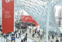 Feira Internacional do Móvel 2013 / A Feira Internacional do Móvel de 2013 durante a Semana de Design de Milão contou com uma incrível variedade de produtos e móveis dos maiores nomes do design. Foram 1269 expositores em uma área de 142.209,00 m² que atraiu um público de 285.698 pessoas.