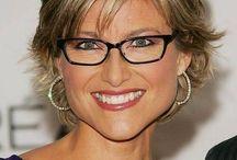 short hair styles for glasses wearers