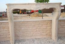Habillage cheminée en pierre reconstituée (béton, ciment blanc) / habillage cheminée en pierre reconstituée, habillage cheminée ciment blanc, réplique cheminée pierre naturelle Bourgogne, cheminée imitation pierre de Bourgogne, Cheminée Louis XVI ou Louis XV réplique ancienne pierre reconstituée