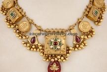 Necklaces sarry