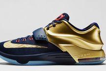 Shoes / Basketball shoes
